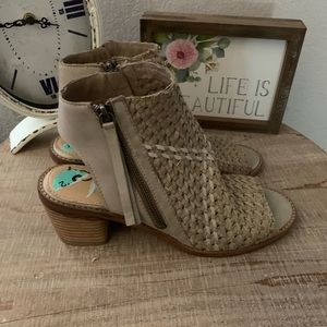 Sam Edelman opened toe & back shoe bnwob size 8.5